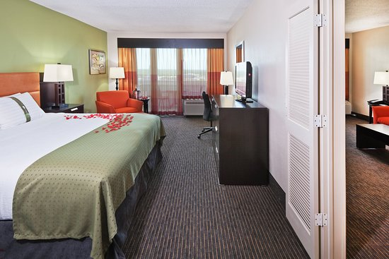 Holiday Inn Tulsa City Center : Honeymoon Suite
