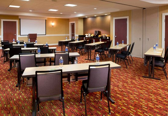 Collierville, TN: The Avenue/Carriage Meeting Room 2