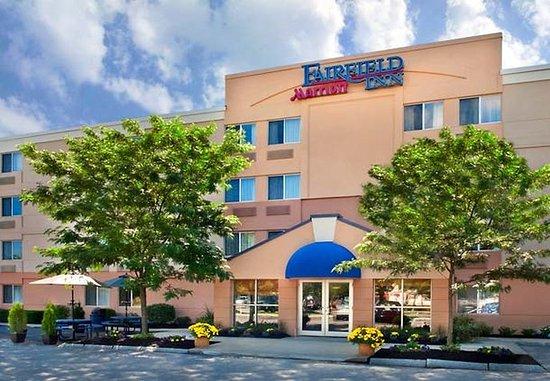 Amesbury, MA: Entrance