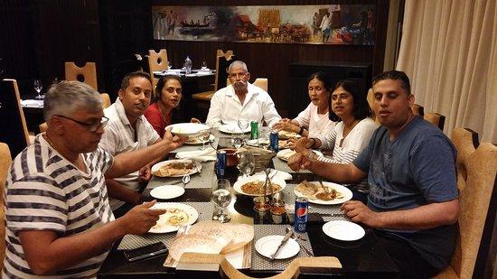 Maradu, الهند: 20161201_202733_large.jpg