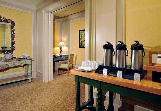 Minett, كندا: Minett Boardroom Foyer