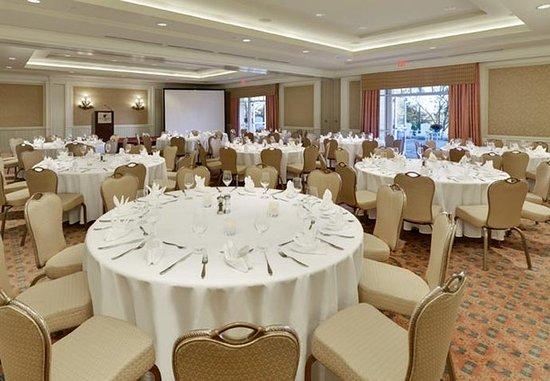 JW Marriott The Rosseau Muskoka Resort & Spa: Port Carling Room – Banquet Setup