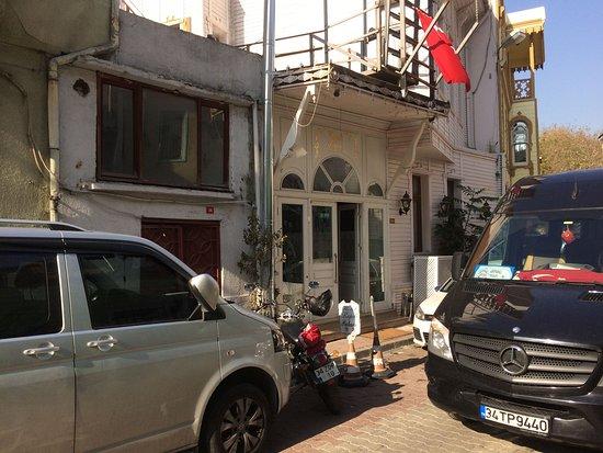 Hotel Kupeli Palace: Hotel Front