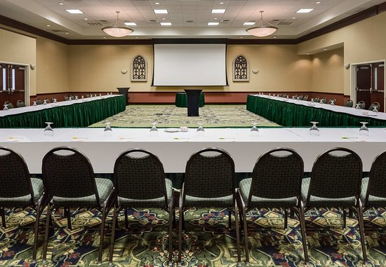 Ankeny, IA: Ballroom – U-Shape Meeting