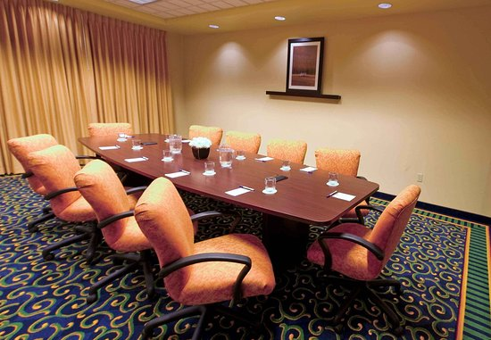 Ridgecrest, CA: Executive Boardroom