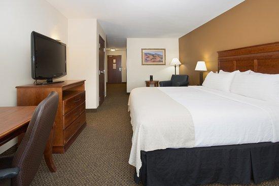 Trinidad, Colorado: ADA/Handicapped accessible King Guest Room