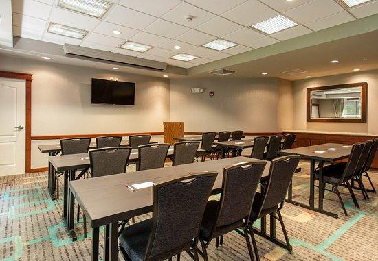 West Greenwich, RI: Meeting Room - Classroom Setup