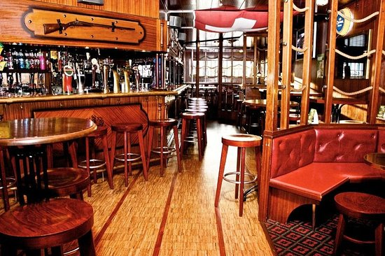 Cheseaux-sur-Lausanne, Schweiz: Hotel Galion and Pub Bar