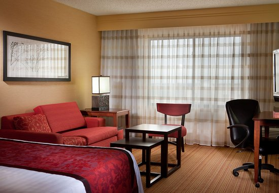 Denton, TX: King Guest Room