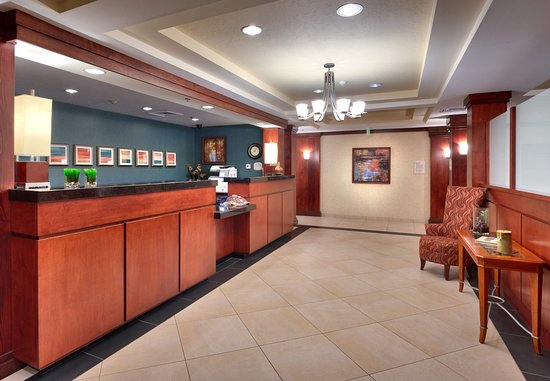 Nampa, ID: Front Desk