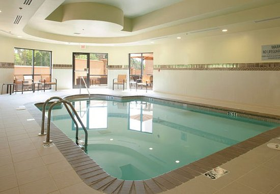 Conyers, GA: Indoor Pool