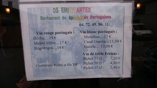 Decines-Charpieu, Francia: carte des vins