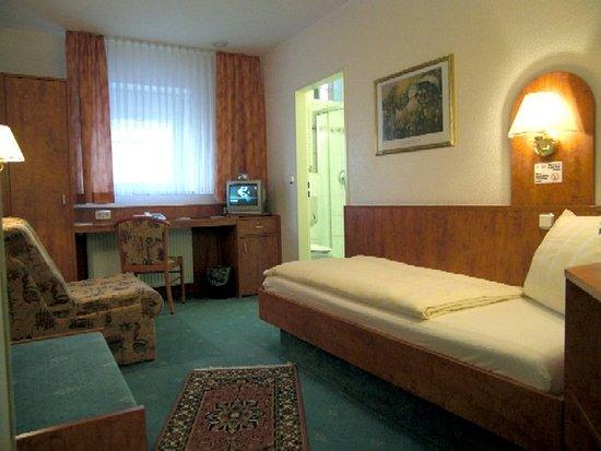 Offenbach, Tyskland: single room standard