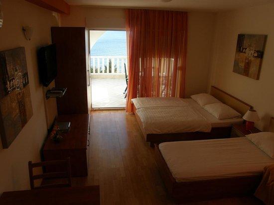 Podstrana, Croazia: Apartment 4 People Sea View