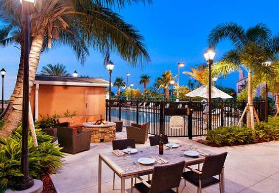 Port Saint Lucie, FL: Outdoor Patio