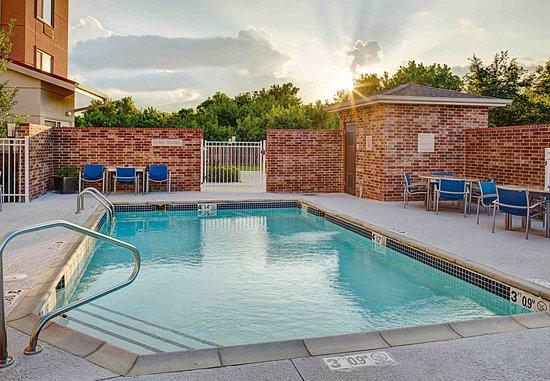 Springdale, AR: Outdoor Pool