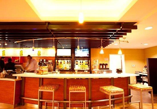 Hesperia, Калифорния: S-Bar
