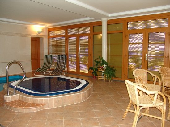 Kromeriz, Czech Republic: Pool