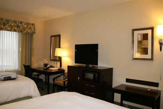 Hampton Inn Alpine: Two Queen Beds
