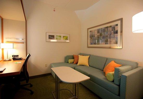 Rosenberg, TX: Suite Sitting Area