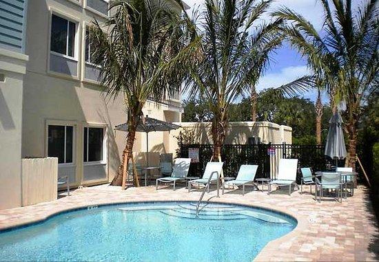 SpringHill Suites Vero Beach: Outdoor Pool