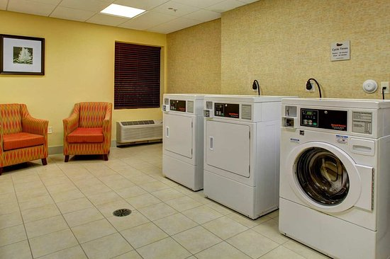 Homewood Suites West Palm Beach: Laundry Facility