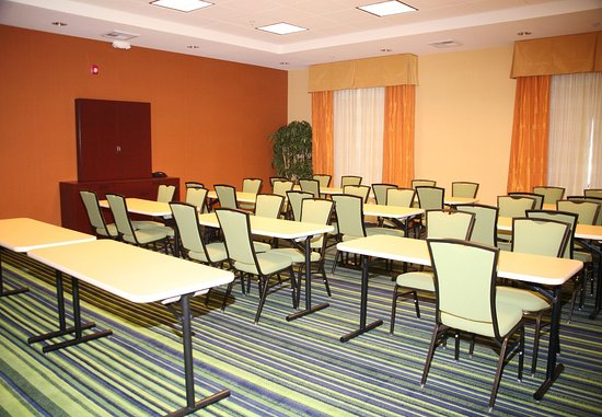 Tehachapi, CA: Meeting Room