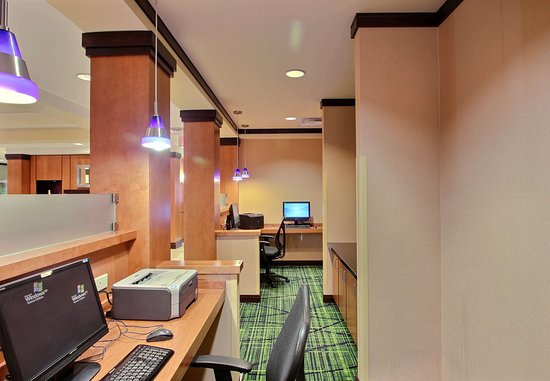Oak Creek, WI : Business Center
