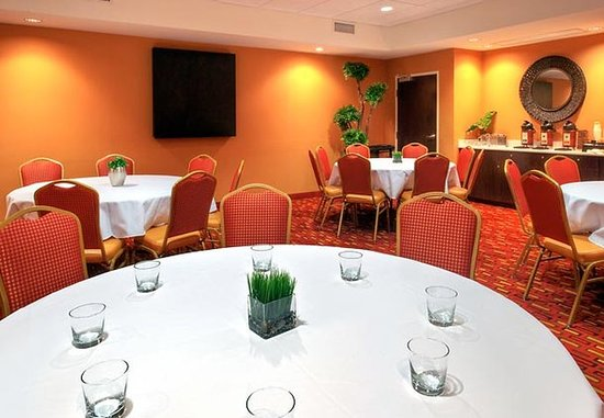 Johnson City, TN: Meeting Room