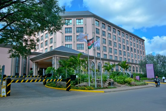 Crowne Plaza Hotel Nairobi: Scenery / Landscape - Exterior of the hotel