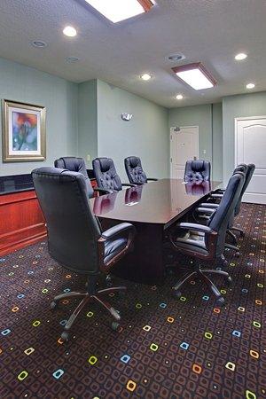 Holiday inn Express & Suites - Grants/Milan Board Room