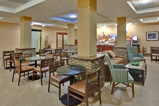 Holiday Inn Express & Suites -Grants/Milan Breakfast Area