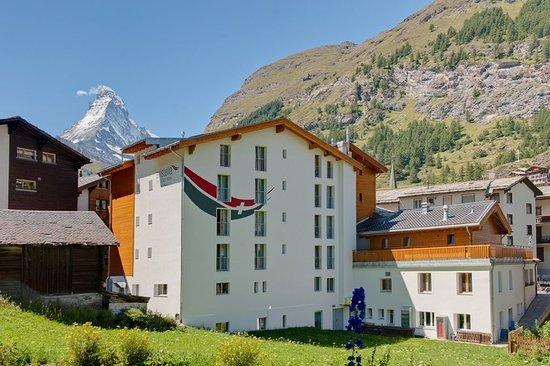 Hotel Aristella swissflair: Hotel back side