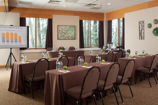 The Inn at Honey Run: Meeting Room