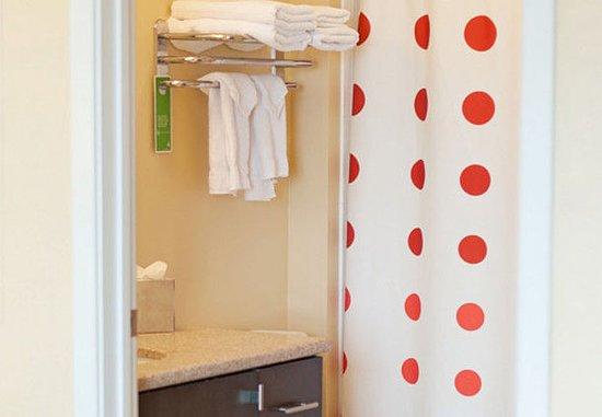 Orem, UT: Suite Bathroom