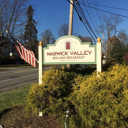 Warwick, NY: Sign from street