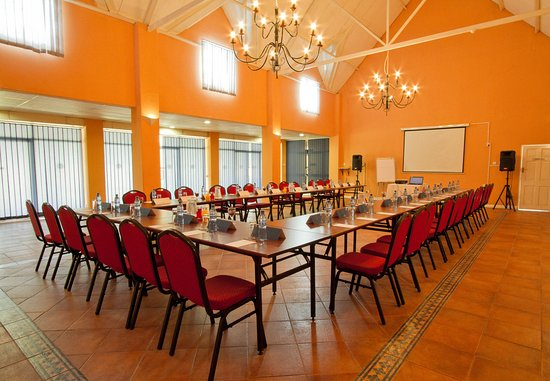 Chingola, แซมเบีย: Conference Room – U-Shape Setup