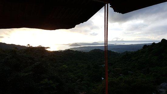 Laurel, Philippines: Serene