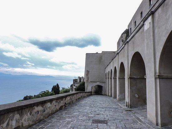 Baia, Itália: entrata vista da dentro