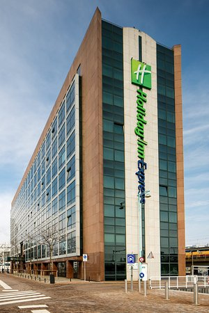 Holiday Inn Express Amsterdam-Sloterdijk Station