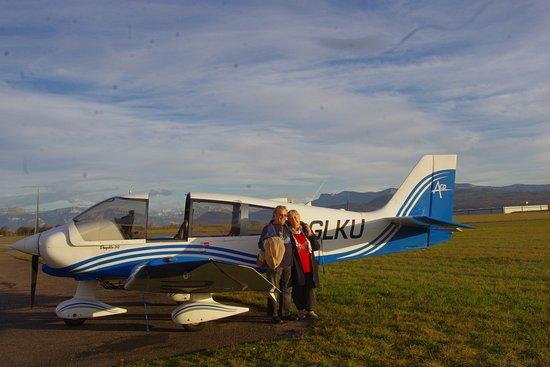 Saint-Etienne-de-Saint-Geoirs, France: avant  le départ, séance photo par notre pilote