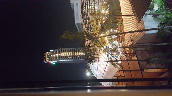 Baramee Hip Hotel Patong: 20161130_195612_large.jpg