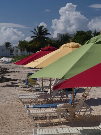 The Valley, Anguilla: free lounge chairs