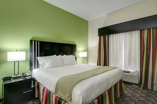 Holiday Inn Express Savannah S I-95 Richmond Hill: Guest Room