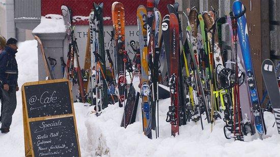 Andermatt, Svizzera: Après Ski Time