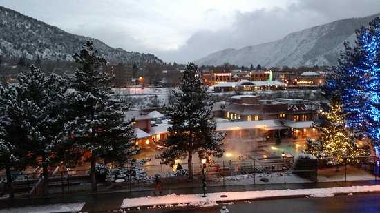 Glenwood Hot Springs Lodge: View from our 5th floor suite looking south at sundown