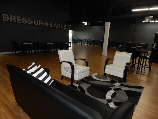 Mundelein, IL: Lounge area