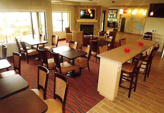 Richland, WA: Breakfast Seating Area