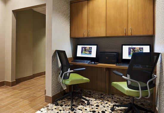 Ridgeland, MS: Business Center