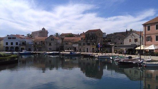 Hvar, Kroasia: Hâvre de paix en Juin
